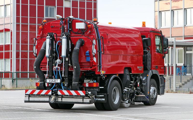 Kehrmaschine VIAJET 7 für die kommunale Straßenreinigung und Baustelleneinsätze